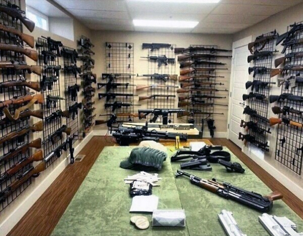 cool-masculine-mens-gun-rooms
