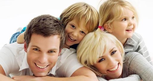 happy-white-family
